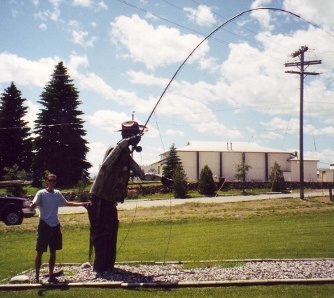 Fly fisherman statue at Ennis, Montana